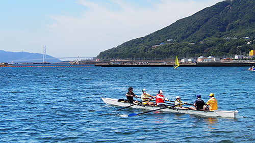 記事 須磨区須磨海岸で「親子レガッタ体験」のアイキャッチ画像